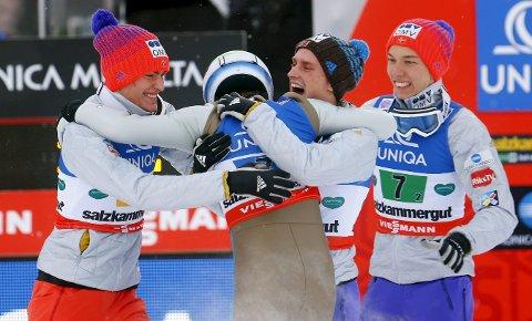 GULLGUTTER: Daniel-André Tandes VM-gull i skiflygning med det norske laget, var ett av høydepunktene i sportsåret 2016 i Kongsberg og Numedal. Men hvem vant han gullet sammen med? Foto: NTB Scanpix