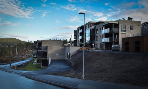 LEILIGHETER: Gamlegrendåsen terrasse står ferdig og mange av leilighetene er solgt.