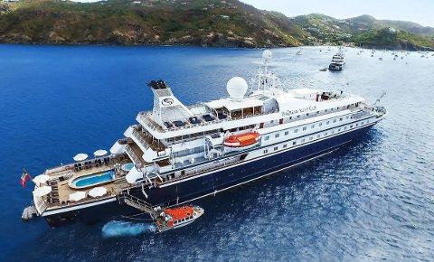 De er ikke så store, SeaDream 1 og 2, men de er flytende luksusskip. Snart kommer de til Lofoten.