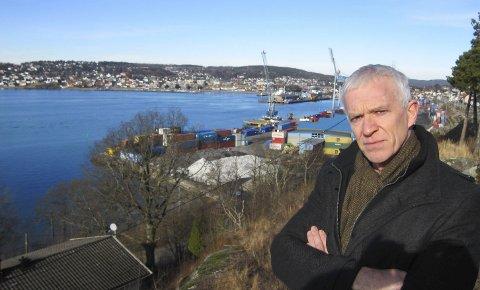 Kritisk: Arild Svenson i Ny Kurs har i lang tid vært kritisk til virksomheten ved Moss havn.  Han advarte mot å gi dispensasjon for bygging av nytt lager for Rockwool på havna.