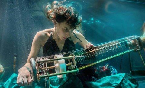 I DET VÅTE ELEMENT: Det danske bandet AquaSonic åpner Festpillene i Nord-Norge - med en konsert under vann.
