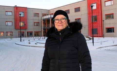 KUTTFORSLAG: Gunhild Johansen sier ingen politikere har gått inn for å nedlegge noe sykehjem. Hun håper på sikt at behovet for plasser kan reduseres og at køen til Helsehuset avvikles.