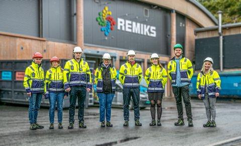 ENGASJERTE OG LÆREVILLIGE: Fra venstre: Jens Ingvar Olsen (R), Hanne Stenvaag (R), Kristian Wilsgård (FrP), Wenche Skallerud (Sp), Nils Foshaug (Ap), Mari Siljebråten (Ap), Even Aronsen (V) og Tonje Nilsen (H).