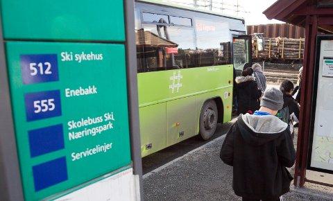MINDRE ØKNING: Byrådet i Oslo fikk til slutt med seg Akershus fylkeskommune i å redusere økningen av billettprisene i 2018.