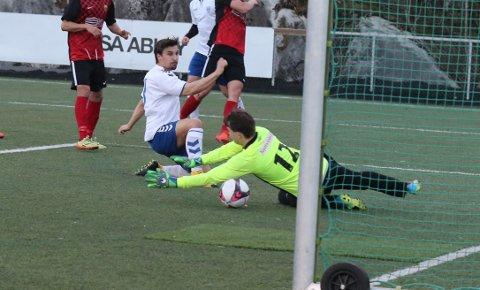 Patrik Hagen Pedersen tupper inn 2-0-målet.