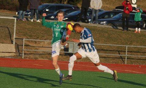 VÅKNET: Mathias Herskedal Torgersen og Ås så ut som et tapende lag før de våknet ordentlig det siste kvarteret.