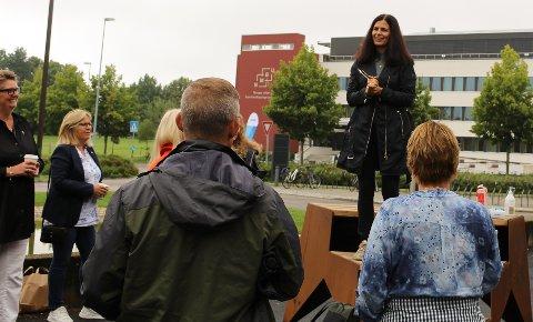 BLITT BEDRE: Nina Solli er regiondirektør i NHO Oslo og Viken. Hun synes det er bra at Nordre Follo kommune er blitt bedre på mange felt i kommune-NM, og ordfører Hanne Opdan (t.v.) mener kommunen har tatt tak i mange ting.