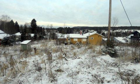 SOLVANG: Alfarheim Eiendom AS ønsker å rive det gule huset, og i stedet bygge åtte boliger på tomta.Foto: Anita Høiby Gotehus