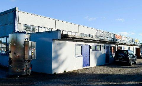 PAKKET SAMMEN: Rena Bryggeri på Hovdmoen ble lagt ned i oktober i fjor. Utstyret ble pakket ned og satt på lager i Kongsvinger. (Foto: Bjørn-Frode Løvlund)
