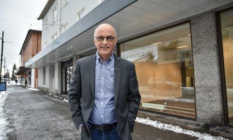 PÅ FLYTTEFOT: Ottar Hemstad og kollegene i Tolga-Os Sparebank er på flyttefot til de tidligere Nordea-lokalene i Leiret.