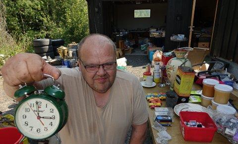 TID FOR GARASJE: Heiki Ruud har åpnet garasjedøra og lokker med litt av hvert.