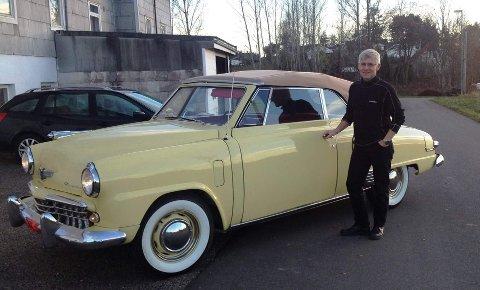 Nils-Petter Norman med sin Studebaker fra USA.