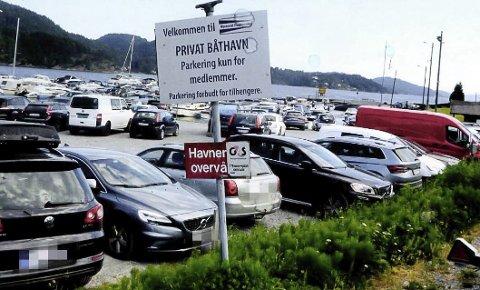 – TAR OVERHÅND: Pågangen på båthavna på Nystrand øker, blant annet fra folk med vannscootere. Nå letter kommunen på parkeringsbestemmelsene og naboene ber kommunen tenke seg om.