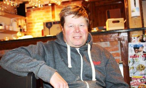 SESONGÅPNER: André Bjønnes åpner Papas Restaurant på torget i Langesund onsdag denne uka. – Jeg er spent på hvordan denne spesielle sesongen kommer til å bli for restaurantvirksomheten. – Vi skal etterleve myndighetenes restriksjoner for renhold og hygiene, og ta vare på gjestene våre, sier André Bjønnes.