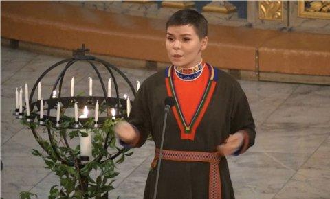 Trollbandt: Ronja-Katrin rørte både kongehuset og norges befolkning da hun sang i gullbryllupet til kongen of dronningen.