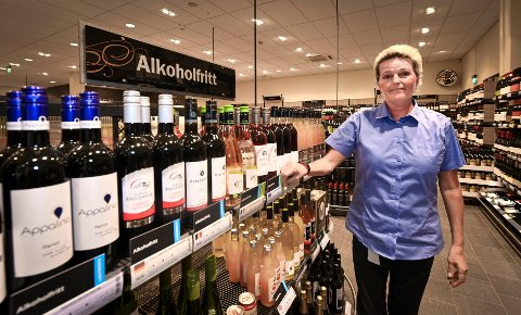Butikksjef Merete Langfjell ved vinmonopolet sier at de i juni i år beregnet å selge 37000 liter, men har allerede (fram til 23. juni) solgt 62000 liter. Også salget av de alkoholfrie varene har økt, men det går mest i hvitvin, musserende og rosévin nå på sommeren.