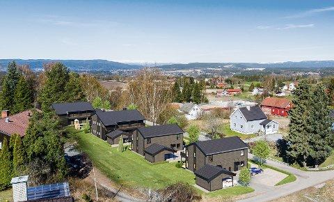 TO OG FIRE: To- og firemannsboliger skal bygges i nedre Klekkenhagen. (Fotomontasje: Sandvold Boliger).