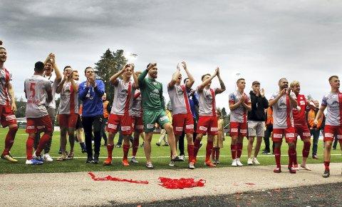 Strømmen opplevde drømmen – igjen: Om de ikke har gjort det til en vane å sende LSK ut av cupen, var det i alle fall ikke noe å si på at gråtrøyene vant onsdag. Alle foto: Pernille Nielsen
