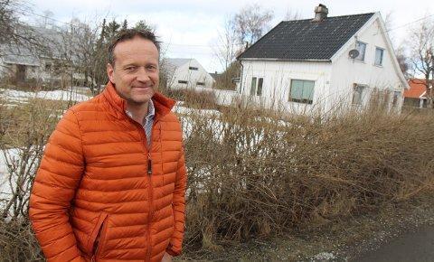 FORTVILET: Jan Thorseng synes ikke tomannsboliger i seks og ni meters høyde vil passe inn i bebyggelsen i Myragutua.