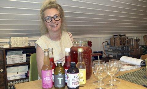 Fermentert drikk: Thea Mørk Engelstad på Fat og Fe kan by på ferdig fermentert drikke til den som ikke vil lage selv.Foto: Vigdis Løbach