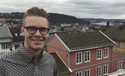 Mats Rønning fra Sarpsborg har bosatt seg på Kampen i Oslo. Nå er han ny leder for Stortingets Presselosje.