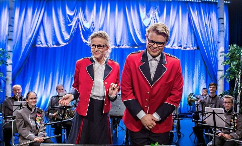 Ragnhild H. Myntevik og Martin Hovland har hovedrollene i forestillingen. – Man trenger ikke ha barn i skolekorps for å se dette stykket, sier de.
