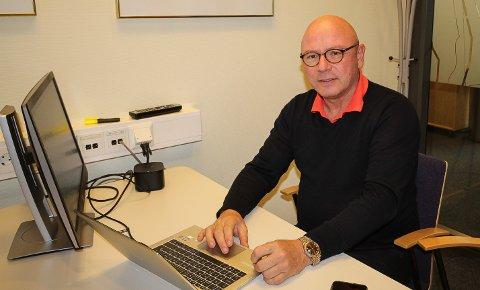 VÆR OBS: Banksjef Even Jørgensen i DNB mener folk må bli mer årvåkne for å unngå at passord, mail og chat blir misbrukt av svindlere.