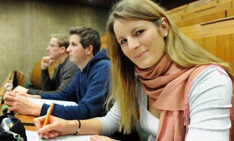 Bli med på fadderuken og si hei til naboen på forelesningssalen, oppfordrer Norsk Studentorganisasjon, Foto: Frank May, NTB scanpix/ANB