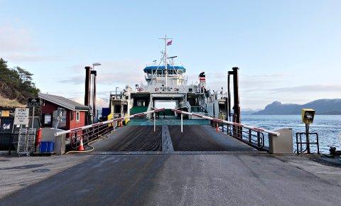 Tekniske problemer gjør at det kun er A-ferga som går over Talgsjøen fredag morgen.