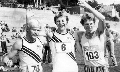 Bjørn Rolland (fra venstre), Kristen Halle og Rune Skotheim under fylkesmesterskapet i Molde i 1980. Rolland var på den tiden fylkets beste på 400 meter hekk.