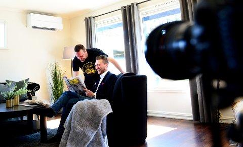 TENKER NYTT: Fotograf Frank Hesjedal og Eiendomsmegler Simon Mellingen i Z-eiendom samarbeider for at boligbildene skal skille seg ut i markedet.