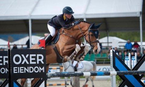 GODE PLASSERINGER: Liselotte Lefdal og hesten Oase er kvalifisert for Falserbo horse show i juli.