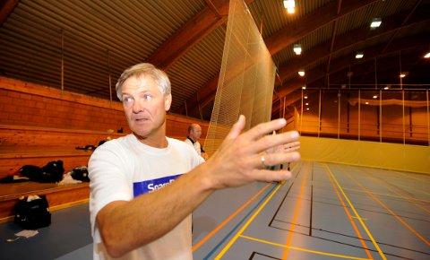 SPENT: Styreleder Hans Erik Stormoen i Stiftelsen Flint Idrettshall er både spent og optimistisk foran neste ukes kommunestyremøte.