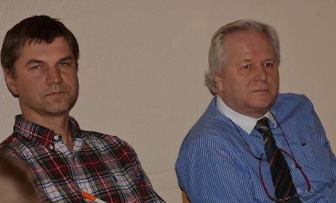 Får turnuslege: Legane Nerijus Gintalas og Gert Halleby (th) får med seg turnuslege på legekontoret i Bagn frå september.