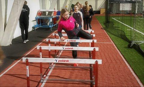 TRENINGER: Fagernes IL Friidrett tilbyr allsidig friidrettstrening også for de aller yngste, etter noen års pause for denne aldersgruppa. Det skjer fredager i Valdres Storhall.