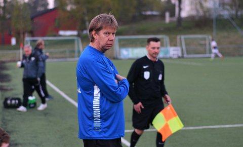 Kom til kort. Morten Enersens gutter kjempet hardt mot serieleder Lisleby fredag kveld, men dessverre uteble uttellingen. Den slet imidlertid ikke vertene med.