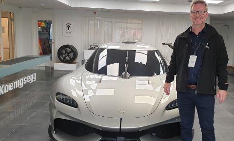 EKSKLUSIVT: Salgs- og Markedssjef Rune Sørensen i Holgers AS fotografert under besøket hos den svenske superbilprodusenten Koenigsegg i Sverige.
