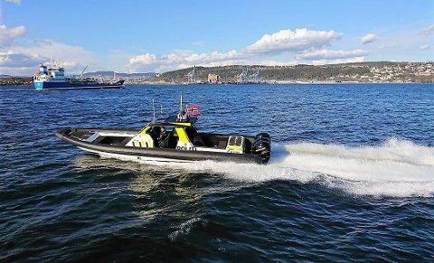 SJEKKER: Båttjenesten ved Oslo politidistrikt følger med på hva som skjer både til lands og til vanns.