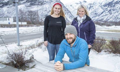 Samarbeid: Henrik Børset i Sunndal Alpinsenter Børsetlia er glad for initiativet fra Ingrid Vermøy (t.v.) i SuCom og Inger Janne Vermøy i Sunndal Energi.
