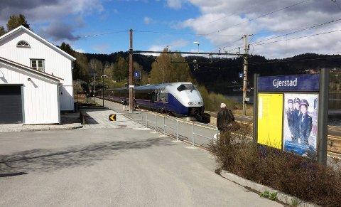 Selskapet som vinner anbudet skal kjøre togene på strekningen Oslo-Kristiansand-Stavanger, med sidegren til Arendal og lokaltrafikk rundt Stavanger.