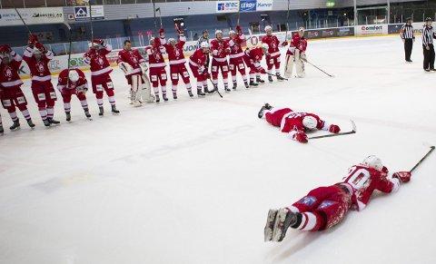 Den gode sesongen: Bildet stammer fra en av de mange hjemmeseierne foran opp mot 1000 tilskuere i Bergenshallen i 2015/16-sesongen. Nå går det mot nytt lag under BIK, men spillerne har noen utfordringer å løse.