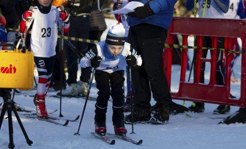 FULL FART: Viljar Bie Wikander (7) fra TIF Viking fyker ut fra startstreken. Han var en av 130 deltakere.FOTO: Bernt-Erik Haaland