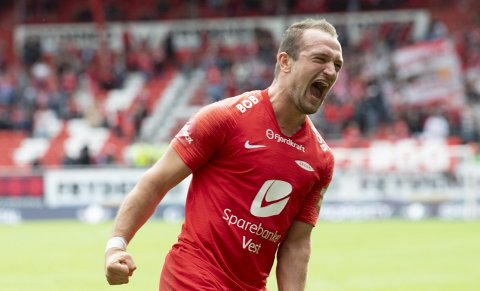 Veton Berisha kan snart bli solgt til Viking. Klubbene forhandler, og Berisha slipper å møte til sesongens første trening.