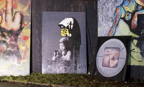 "Bildet til gatekunstner AFK, ""Excellent"", har forsvunnet fra byggeplassen ved Rådhuset."