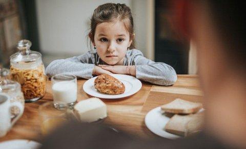 SPISEFORSTYRRELSER: Stadig flere små barn ned i syvårsalderen får spiseforstyrrelser. Norske eksperter er bekymret og kommer med flere konkrete tips til hva foreldre kan gjøre for å hjelpe barna sine