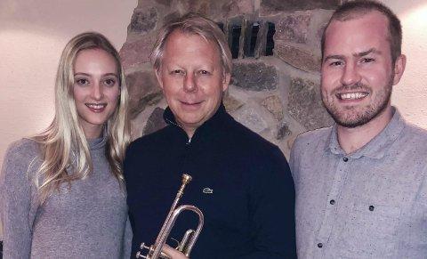ØVING: Stine Hole Ulla, Ole Edvard Antonsen og Knut Marius Djupvik spiller med Øvre Eiker musikkorps i Vestfossen. FOTO: Privat
