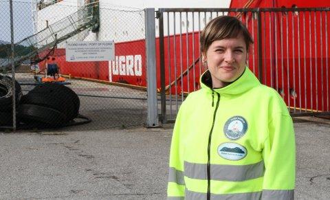 TAKK OG ROS: Hamnesjef Linda M. Midtbø er glad for at Kystverket no ønskjer fortgang i arbeidet med å få utvida skipsleia inn til Westcon i Florø.