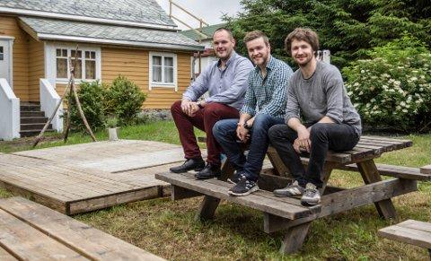 Holken pub i Holmedal. Desse tok over: Frå venstre: Frode Vasseth, Peder Tveit og Svein-Erik Helle.