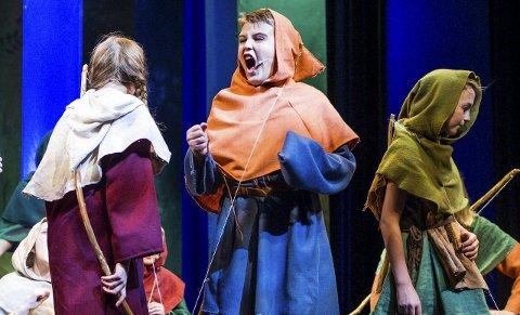 Debutant 2: Daniel Møller Ludvigsen (13), spilte karakteren «Paul Robin» med stil, i sin første teateropptreden.