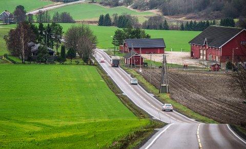 Ble tatt: En mannlig sjåfør ble fratatt førerkortet i Vardeveien tirsdag. Han kjørte i 77 km/t i 50-sonen.